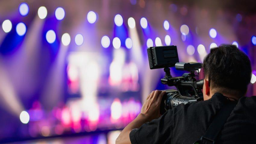 Prestataires de services dans les entreprises de l'audiovisuel : N'oubliez pas la certification sociale